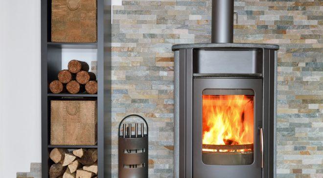Depositphotos 37662343 m 2015 660x365 - brennender Kaminofen wood fired stove