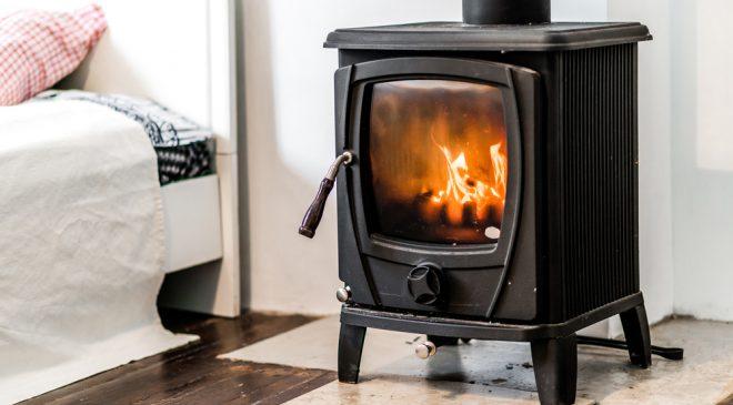 Depositphotos 54967981 m 2015 660x365 - Wood burning stove in bedroom